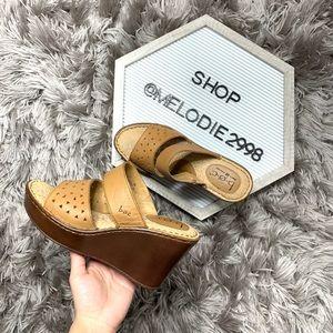 Born B.O.C Tan Wedges Sandals 7